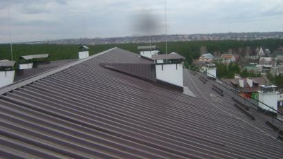 Крыша многоквартирного девятиэтажного дома смт.  Гостомель Киевская обл